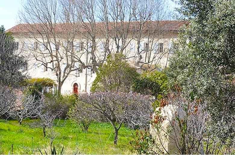 La découverte du couvent et du jardin Levat
